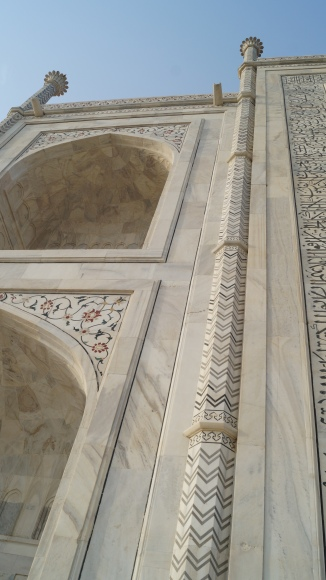 Zig zag illusion at Taj Mahal