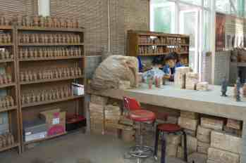 Making the Terracotta Warrior replicas in Xian