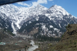 View between Solang and Manali