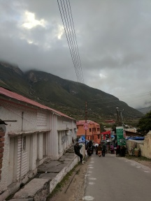 Road leading to Badrinath Temple