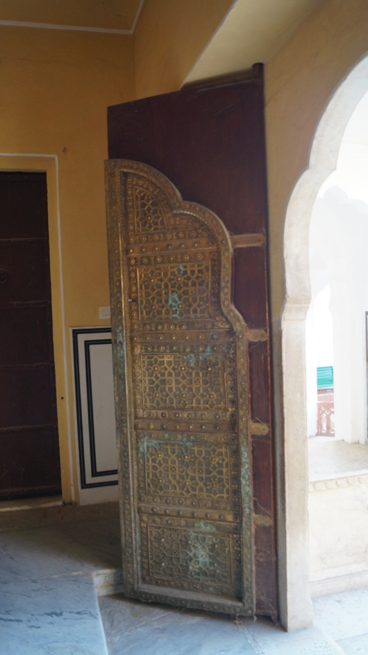 a door in hawa mahal jaipur