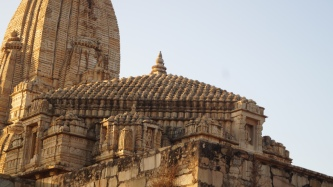 architecture of the temple at chittorgarh