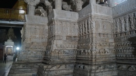 carvings inside jagdish temple in udaipur