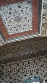 ceiling with mirrors amber fort jaipur