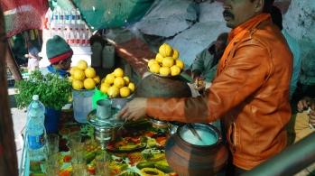 fresh nimbu paani on guru shikar