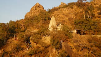 ganesh temple near honeymoon point in mt abu