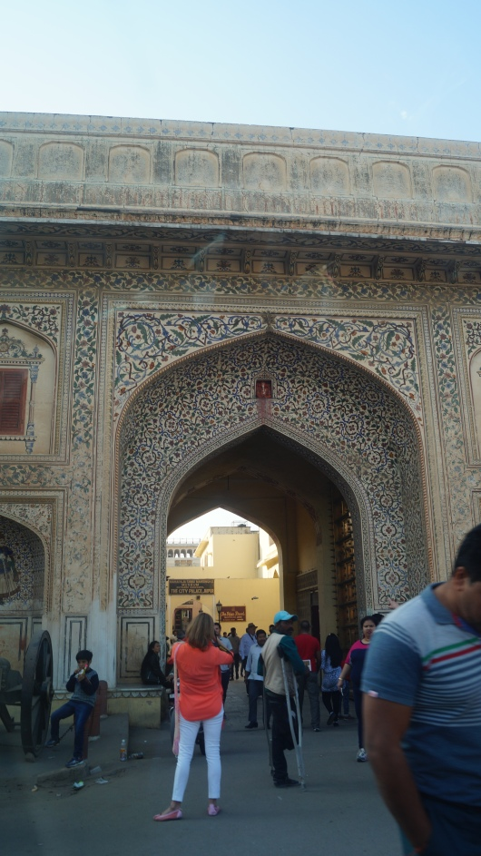 gate near city palace parking jaipur