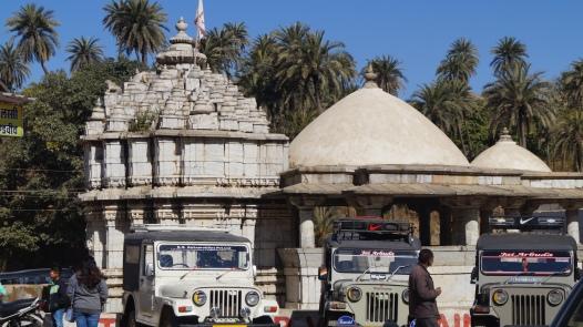 jain temple in achalgarh