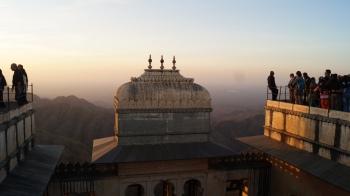 kumbhalgarh fort at sunset