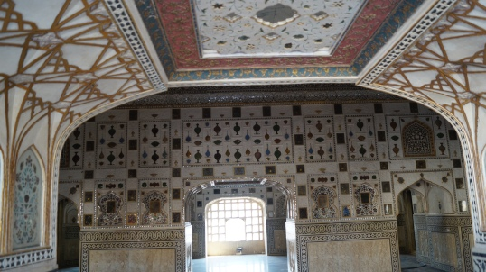 mirror and wall magic in amber fort jaipur