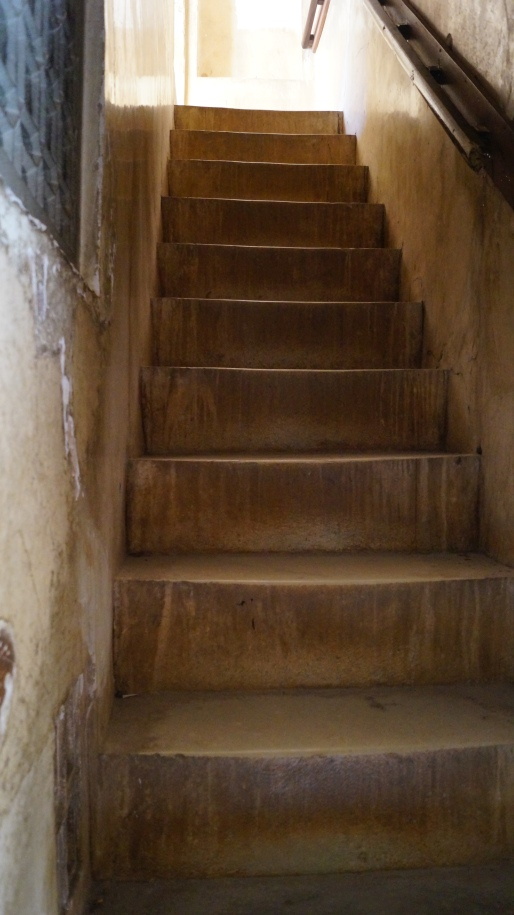 stairs that you have to climb inside amber fort jaipur