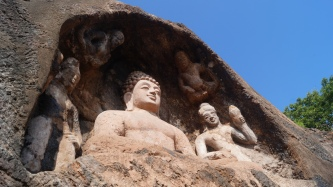 statue 2 at bojjanakonda