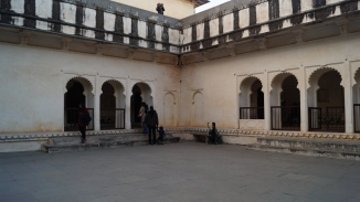 the courtyard at kumbhalgarh fort