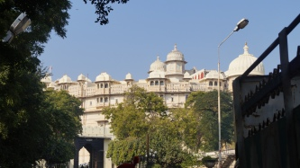 udaipur palace as you approach
