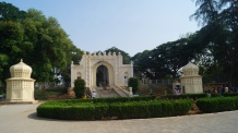 Gate to Daria Daulat Bagh Srirangapatna from the inside