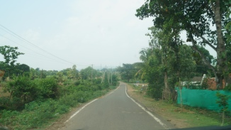 Road leading to Kabini River Lodge